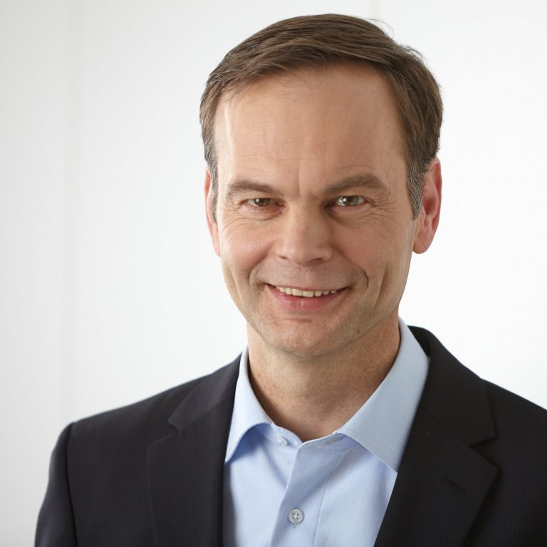 Portraitfoto von Dr. Christof Balkenhol